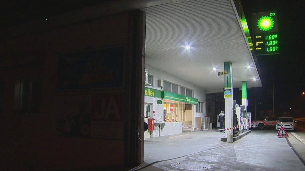 Am Donnerstag wurde die BP-Tankstelle in Märstetten überfallen. (© BRK News)
