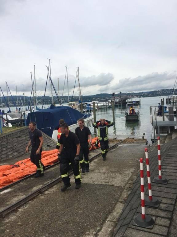 Diesel-Einsatz am Bodensee (© Facebook/Feuerwehr Konstanz)