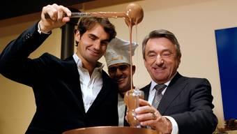 Lindt-Chef Ernst Tanner (rechts) mit Roger Federer.