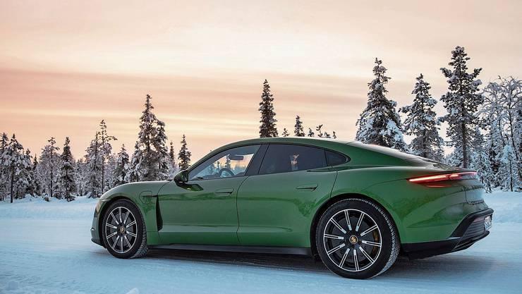 Getestet wurde das E-Auto bei -30 bis +50 Grad; auch bei noch tieferen Temperaturen funktioniert der Wagen einwandfrei.