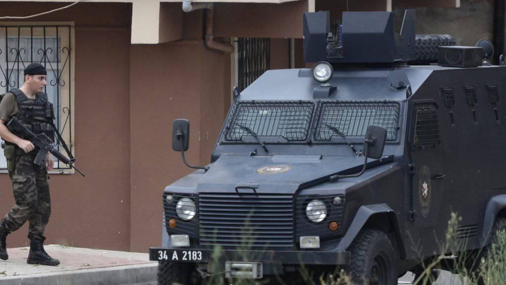 Türkische Anti-Terror-Einheit im Einsatz: Laut Agenturberichten wurden in Diyarbakir 32 kurdische Journalisten festgenommen (Symbolbild).