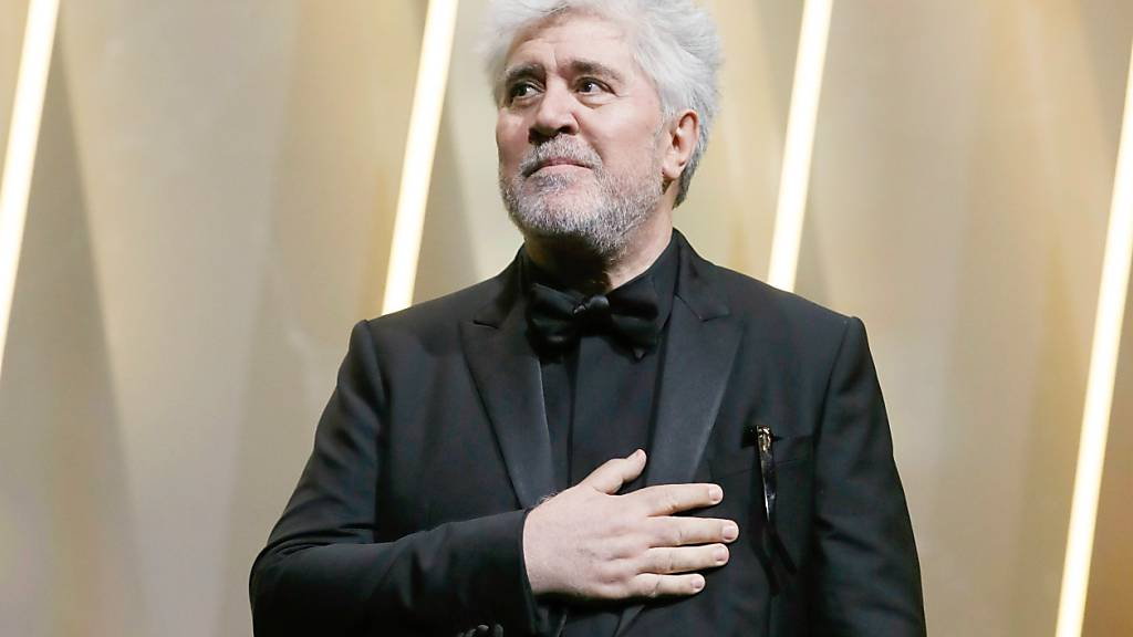 ARCHIV - Der neue Film «Madres paralelas» des spanischen Regisseurs Pedro Almodóvar wird die 78. Filmfestspiele in Venedig (1. bis 11. September) eröffnen. Foto: Thibault Camus/AP/dpa Foto: Thibault Camus/AP/dpa