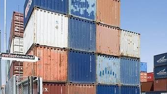 Container beim Swiss Terminal im Hafen in Basel (Archiv)