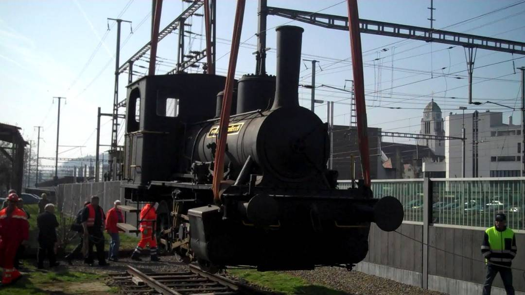 Hirstorische Dampflock NOB 456 wird von Dietikon nach Balstal verlegt