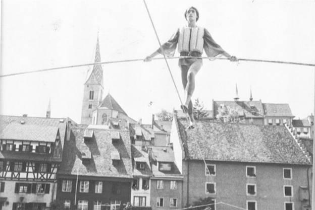 Hochseil-Akrobatik an der Badenfahrt 1982.