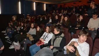 Die Oberstufenschüler aus Oberengstringen quittierten Al Gores «Immer noch unbequeme Wahrheit» am Ende der Vorstellung mit Applaus.
