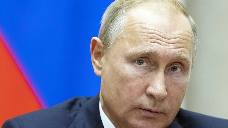"""Ob Russlands Präsident Wladimir Putin den Begriff """"Poschlost"""" wohl auch kennt?"""