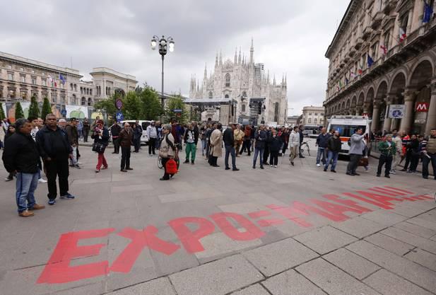 Am Rande der Eröffnungsfeier gibt es heftige Ausschreitungen der Expo-Gegner