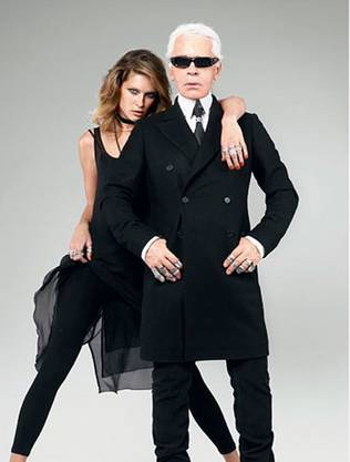 Der Modepapst höchstpersönlich liess es sich nicht nehmen, als Erster für H&M zu entwerfen. Ein Hauch Chanel – die Kollektion war ruckzuck ausverkauft.