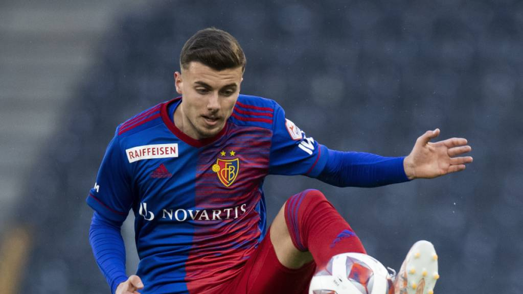 Darian Males in Aktion für den FC Basel.
