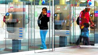 Publifon: Öffentliches Telefonieren, wie hier im Hauptbahnhof Basel, erlebt dank der modernen Apparate eine Renaissance.