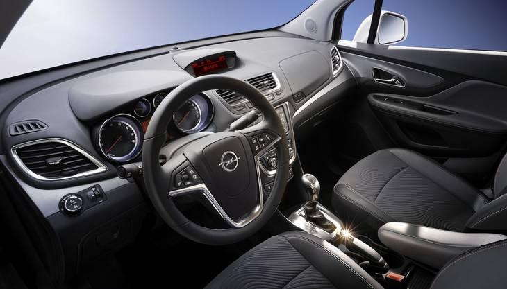 Auch innen kann sich der kleine Opel sehen lassen.