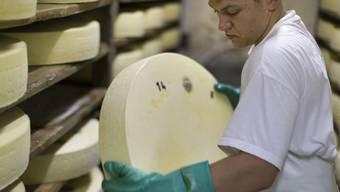 Während die bekannten Marken Federn lassen mussten, konnten kleinere Käseproduzenten mehr ins Ausland exportieren.
