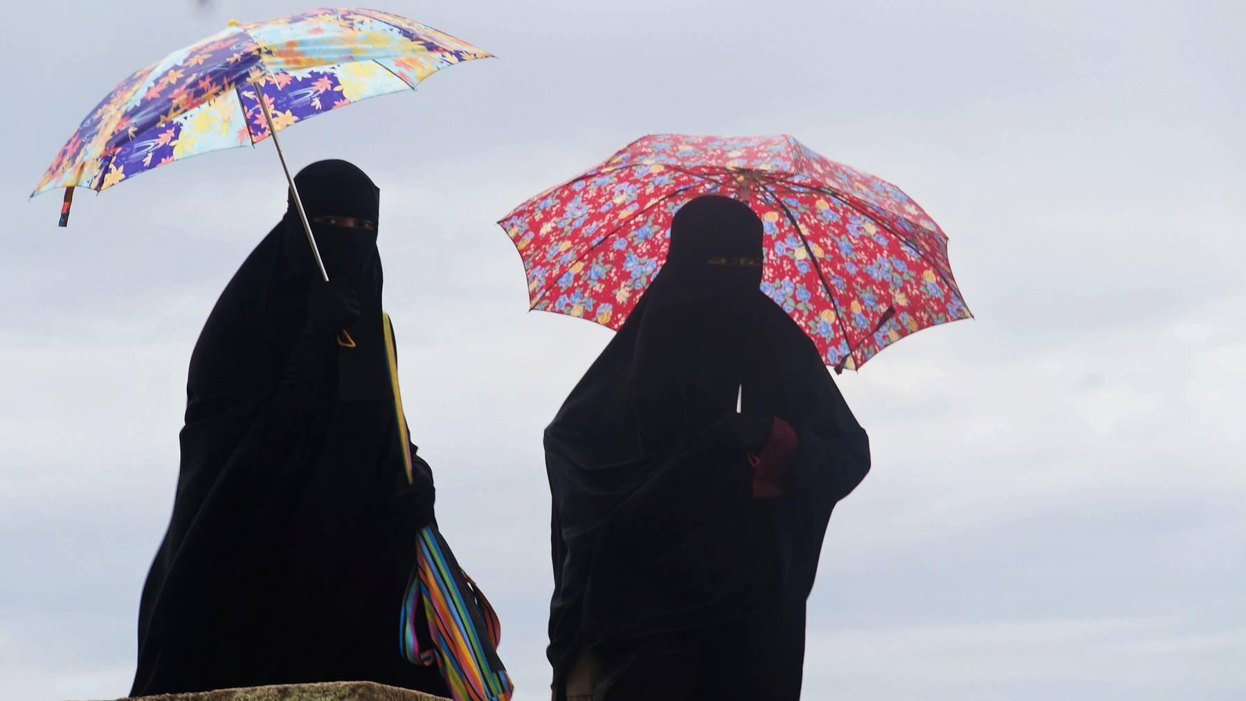 Parlament will Gegenvorschlag zur Burkainitiative
