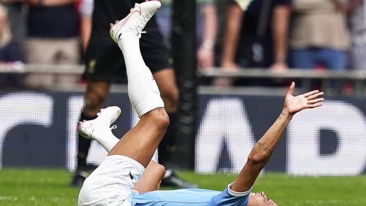 Scheint sich am Knie schwer verletzt zu haben: Manchester Citys Leroy Sané