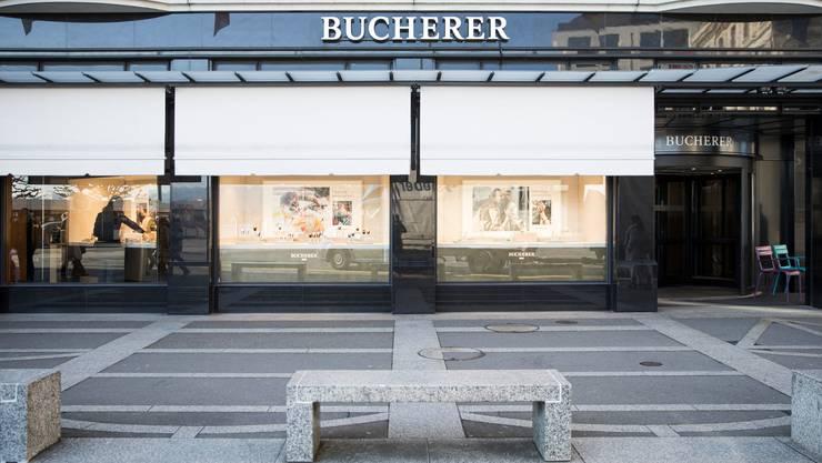 Leere vor der Bucherer-Filiale am Schwanenplatz in Luzern.