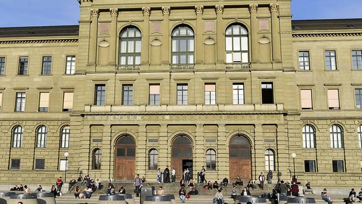 Mobbingvorwürfe: Stärker als in Zürich (Bild) sind Doktorierende in Basel mit ihren Professoren unzufrieden. (Archivbild)