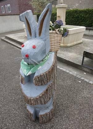 Osterbote beim Friedhofeingang in Zwingen