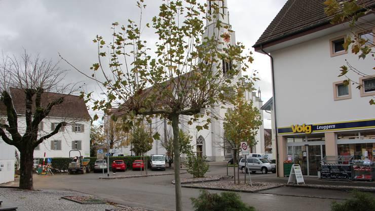 Velofahrer, Fussgänger und Autofahrer sollen gleichberechtigt das Dorfzentrum in Leuggern benutzen dürfen.