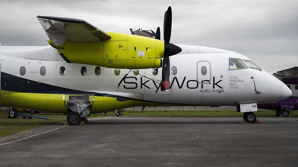Die finanziell angeschlagene Berner Regionalfluggesellschaft SkyWork setzt ihren Flugbetrieb seit Sonntag aus.