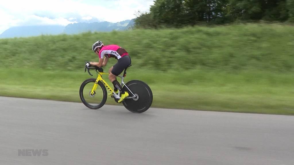 Runde für Runde zum Weltrekord: Extrem-Radfahrerin aus Ittigen greift 24h-Weltrekord an