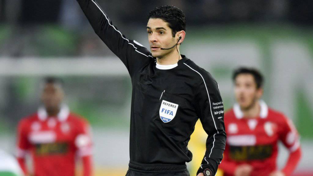 Adrien Jaccottet ist einer der Schweizer Schiedsrichter, der zukünftig Halbprofi ist