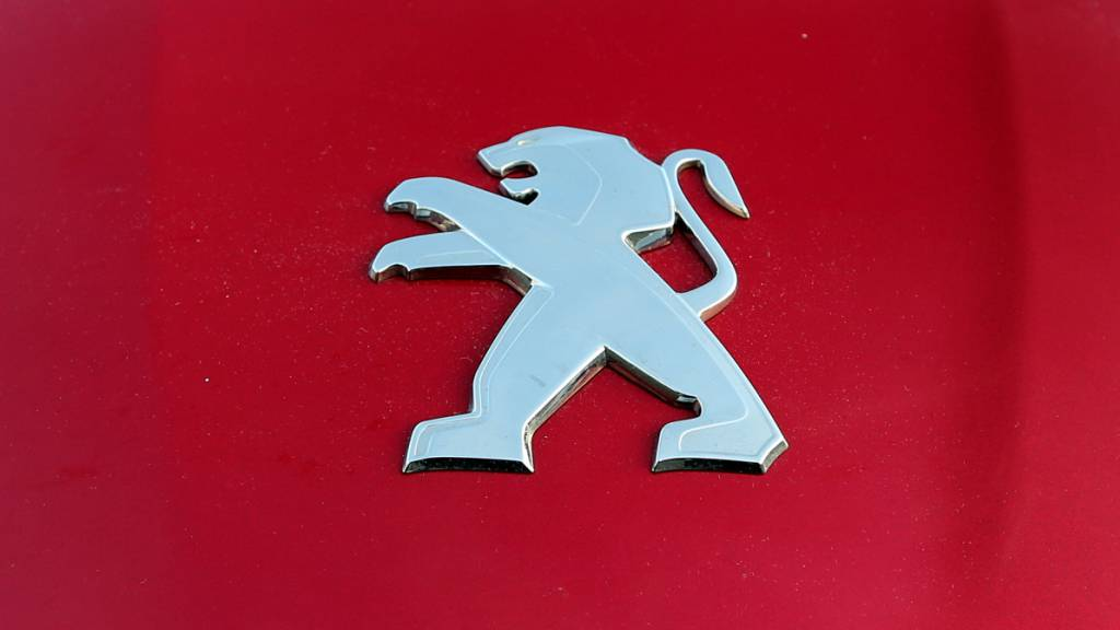 Peugeot-Konzern und Fiat Chrysler beschliessen Fusion