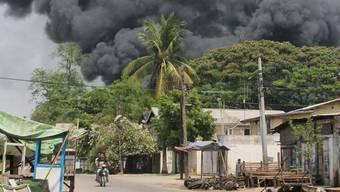 Meiktila brennt nach Ausschreitungen zwischen buddhistischen und muslimischen Einwohnern