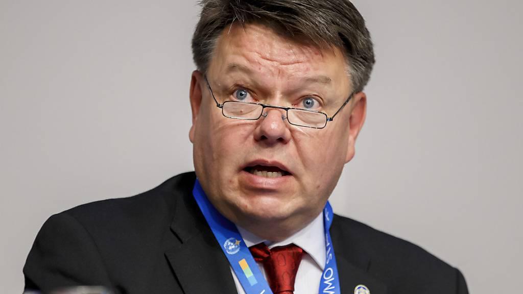 Nach den Worten von WMO-Generalsekretär Petteri Taalas müssen wir bis Ende des Jahrhunderts mit einem Temperaturanstieg von drei bis fünf Grad rechnen, wenn es so weitergeht mit den CO2-Emissionen. Archivbild)