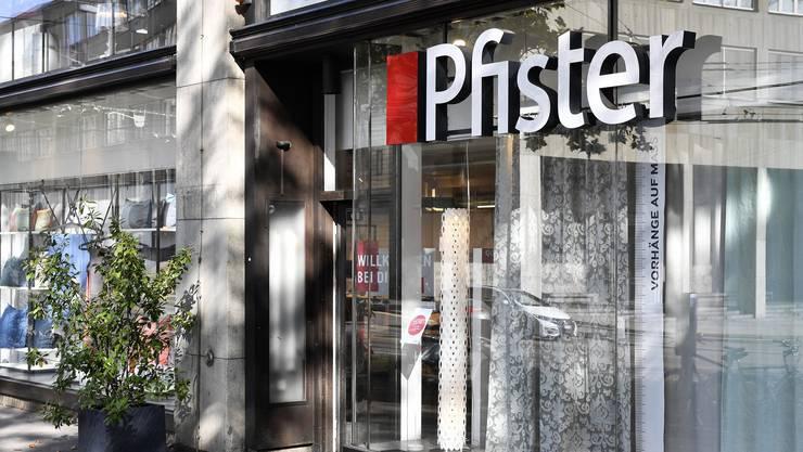 Die weit grössere XXXLutz-Gruppe aus Österreich kauft das weit kleinere Aargauer Einrichtungshaus Möbel Pfister.