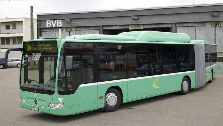Ein Bus der Linie 31 kollidierte mit einem Personenwagen.