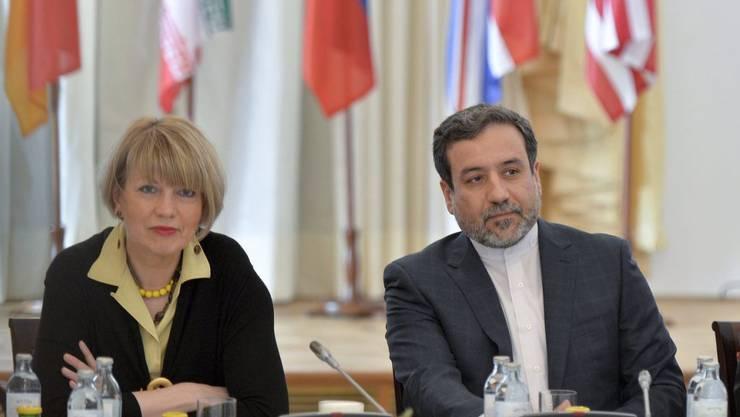 Irans Vize-Aussenminister Abbas Araghchi, hier bei Verhandlungen in Wien, drängt das Parlament seines Landes zu einer schnellen Genehmigung des Atomabkommens mit dem Westen. (Archivbild)