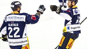 Zuger Freude bei Santeri Alatalo (links) und Oscar Lindberg
