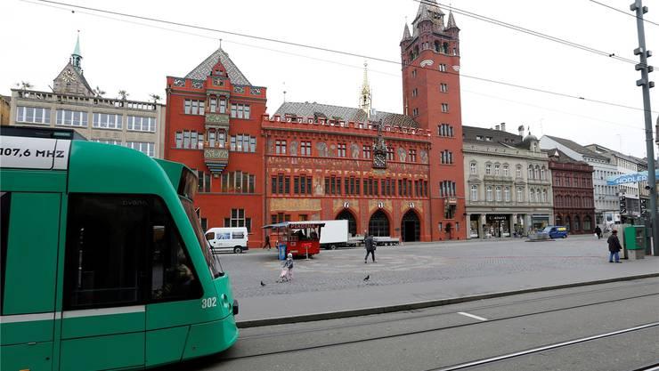 Die Drämmli, respektive die politische Kontrolle über das Tramunternehmen BVB, dominierten die Sitzung des Grossen Rats. (Archiv)