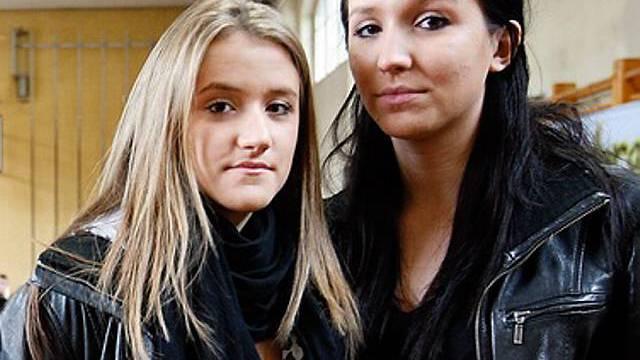 Zwillinge Aleksandra (l.) und Tijana Comagic (r.) (Archiv)