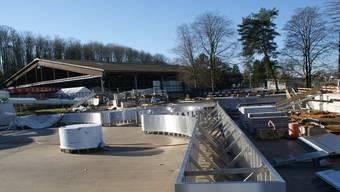 Die Bauteile für den künftigen Strömungskanal liegen bereit.