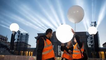 Licht-Installation nahe des Brandenburger Tors in Berlin