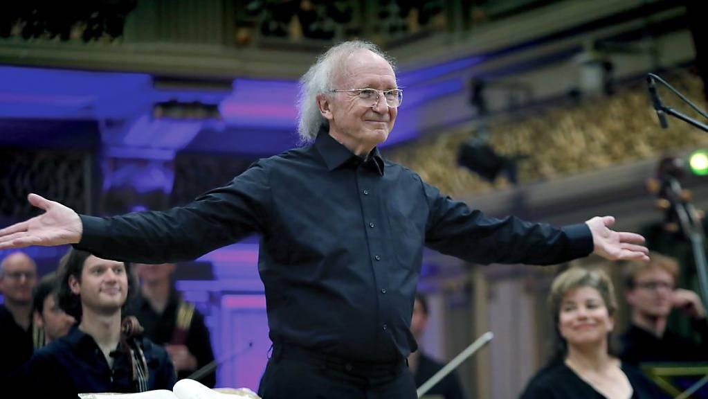 Der 80-jährige Musiker Heinz Holliger ist neuer Ehrendoktor der Universität Basel.