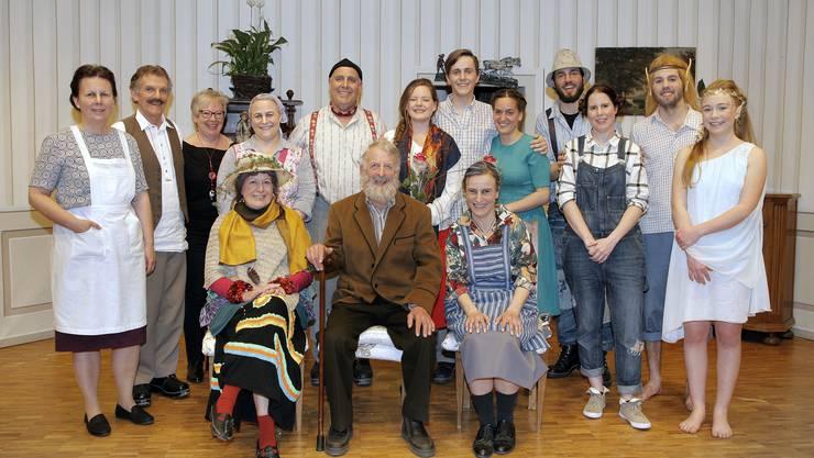 """Die Mitwirkenden der """"Wätterhäx"""" (von links: Y.Pürro, J.Oetterli, L.Flury, M.Frey, P.Kölliker, M.Pürro; B.Epp, M.Ansari M.Biberstein, B.Frei, B.Gisiger, D.Lüscher, L.Bätscher, S.Zünd, D.Kölliker)"""