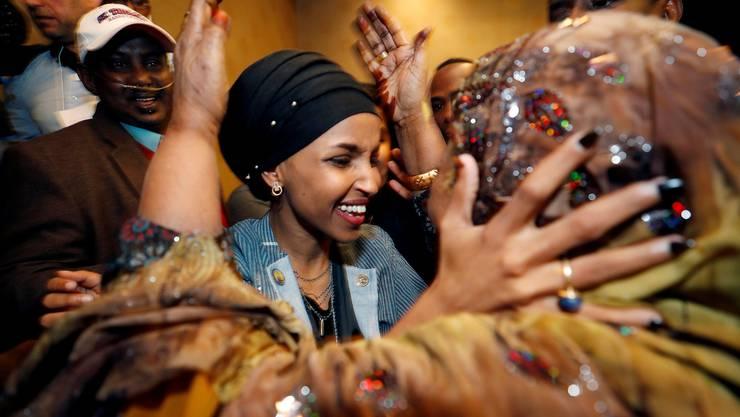 Erste Geflüchtete und erste Kopftuchträgerin im amerikanischen Kongress: Die Demokratin Ilhan Omar aus Minnesota.