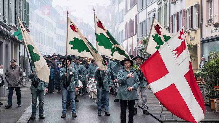 Da schlägt das Herz aller Liestaler Banntägler höher: Start an der Rathausstrasse zum kollektiven Grenzabschreiten. So wirds in diesem Jahr sicher nicht aussehen.