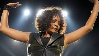 Whitney Houston probiert erneut vom Alkohol wegzukommen (Archiv)