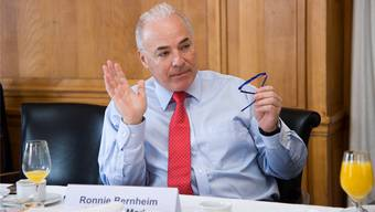 Mondaine-Chef Ronnie Bernheim sieht kleine und mittlere Uhrenfirmen in akuter Gefahr.