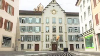 Im Rathaus könnten nach der Fusion nur noch Profi-Stadträte arbeiten.