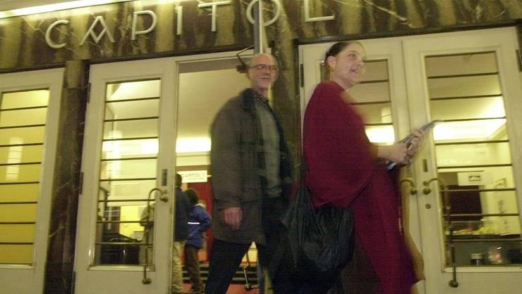 Nächtlicher Überfall auf das Kino Capitol in Bern.