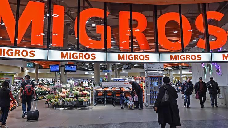 Die Migros ist unangefochten seit fünf Jahren das renommierteste Unternehmen der Schweiz. Entscheidend dafür: das ökologische, soziale und gesellschaftliche Engagement der Genossenschaft. (Archiv)