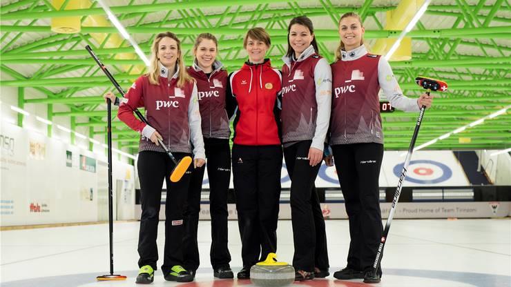 Das Olympiateam (von links): Silvana Tirinzoni, Manuela Siegrist, Nationaltrainerin Manuela Netzer-Kormann, Esther Neuenschwander und Marlene Albrecht.