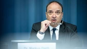 Landstatthalter Markus Dieth beim Vorstellen der provisorischen Jahresrechnung 2018 im Regierungsgebäude in Aarau.
