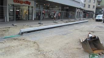Blick auf die innere Baslerstrasse: Nächste Woche wird hier die Bushaltestelle betoniert und neue Verbundsteine werden gesetzt. zvg