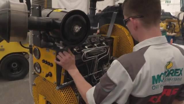 Samuel Dysli gewinnt an den Swiss Skills im Beruf Landmaschinen-Motorgeräte-, Baumaschinenmechaniker EFZ Silber